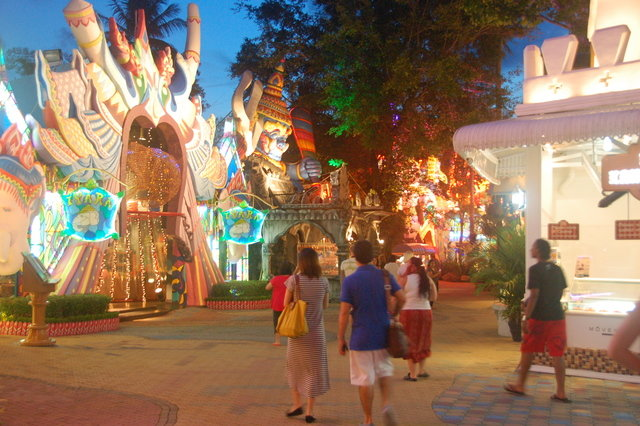 Entertainment in  Phuket, Thailand, visiting things to do in Thailand, Travel Blog, Share my Trip