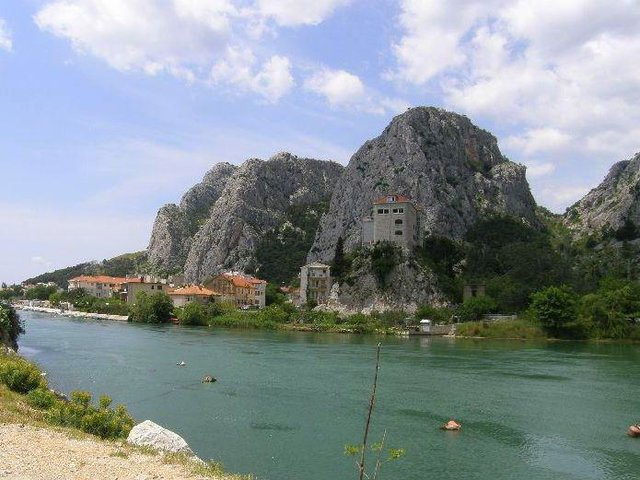 Shopping in  Omiš, Croatia, visiting things to do in Croatia, Travel Blog, Share my Trip